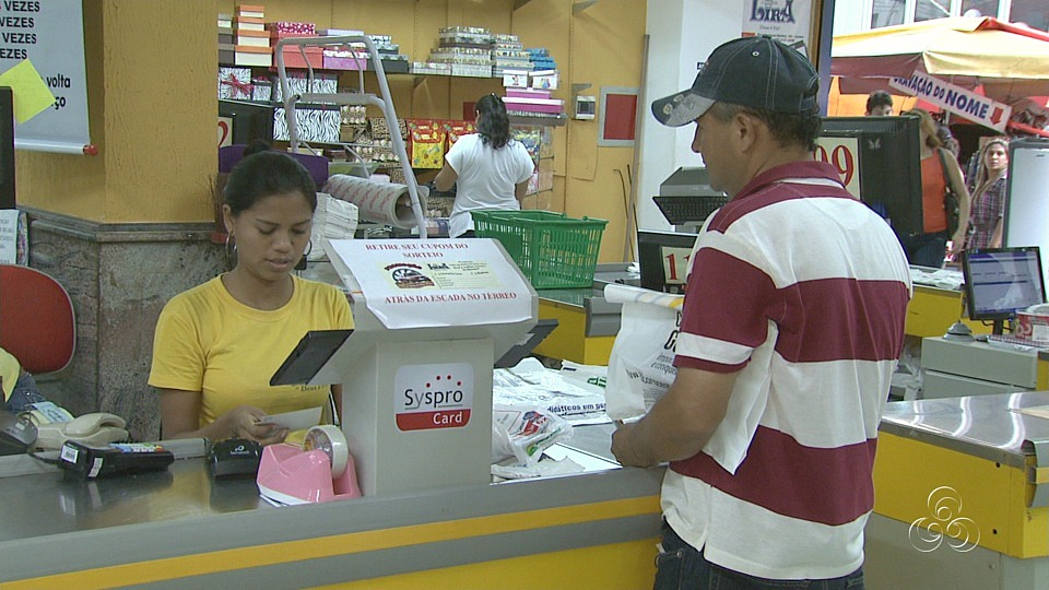 O consumidor tem que exigir a nota fiscal (Foto: Jornal do Amazonas)