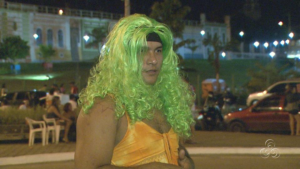 Irreverência é a marca registrada dos brincantes que participam do bloco (Foto: Amazônia TV)