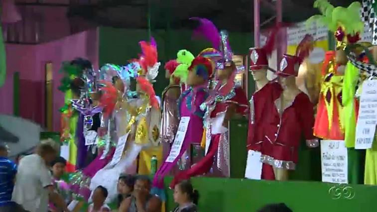 Fantasias prontas para o desfile (Foto: Bom dia Amazônia)