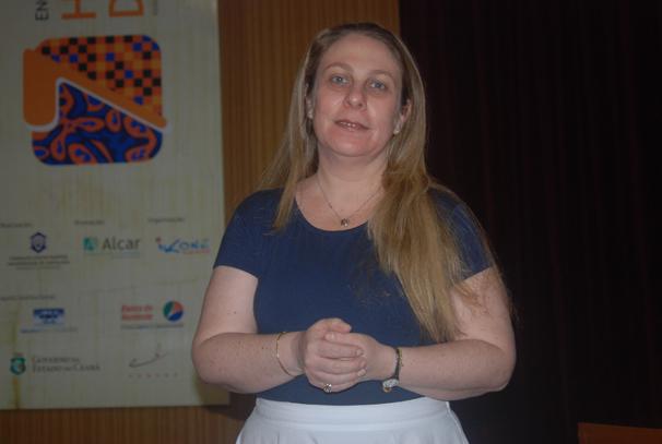 Beatriz Kushnir também atuou em pesquisas para o cinema e o teatro (Foto: Flamínio Araripe)