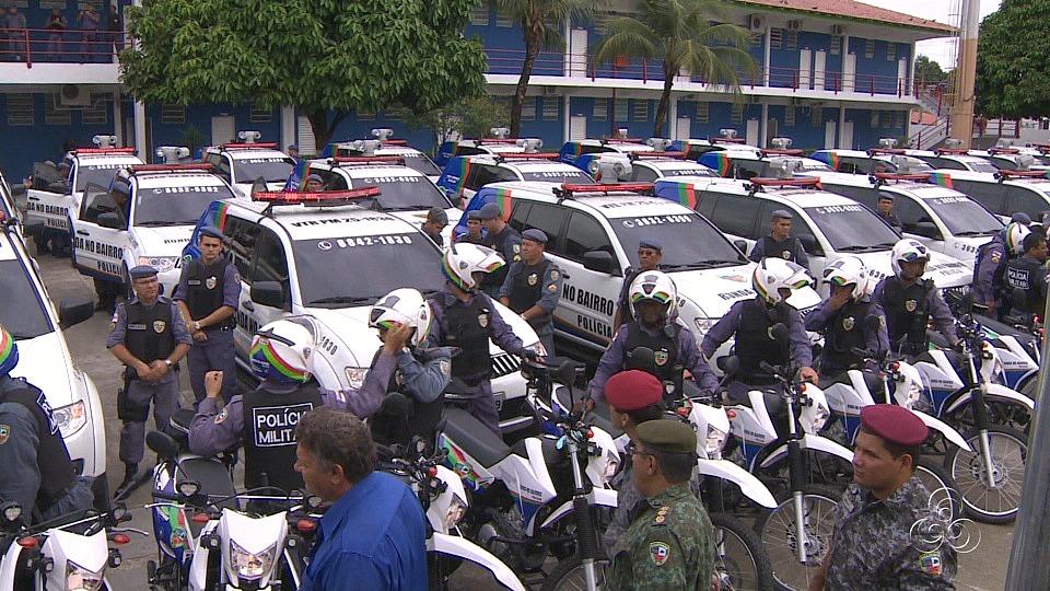 100 viaturas, entre carros e motos foram entregues (Foto: Jornal do Amazonas)