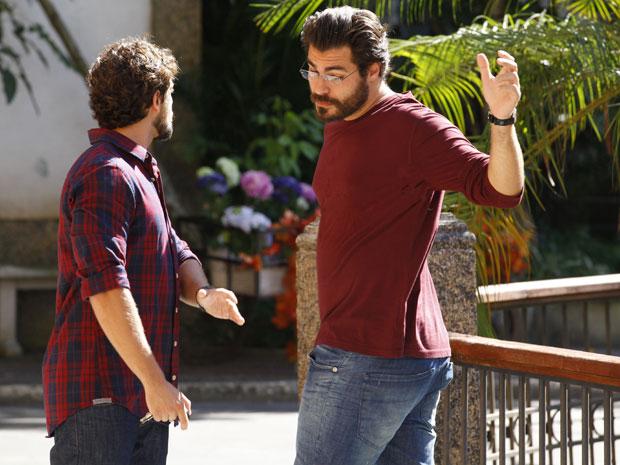 Rodrigo e Lúcio se enfrentam  (Foto: TV Globo / A Vida da Gente)