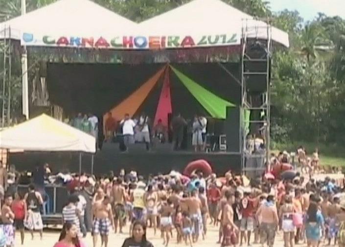 O Carnailha reuniu milhares de foliões em Presidente Figueiredo (Foto: Amazônia TV)
