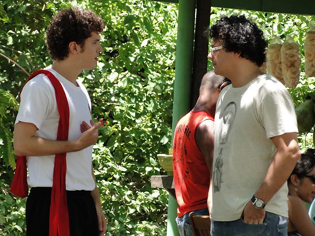 Fabiano convida Gabriel para protagonizar uma série sobre kung fu (Foto: TV Globo / Malhação)