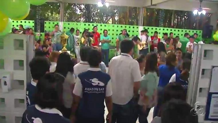 A festa contou com a bateria da escola de samba Reino Unido da Liberdade (Foto: Amazônia TV)