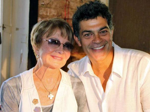 Du Moscovis e Glória Menezes brincam em coletiva de imprensa (Foto: Divulgação / TV Globo)