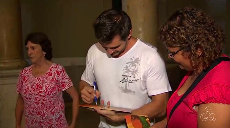 Público presente prestigiou astistas locais (Foto: Amazônia TV)