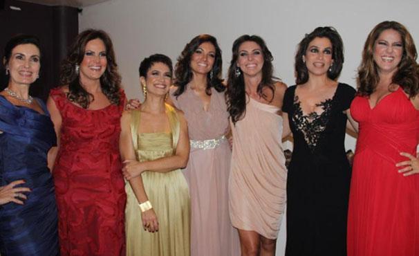 As estrelas do jornalismo se encontram na festa que apresenta as novidades para 2012. (Foto: Divulgação / TV Globo)