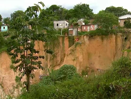 Área de risco em Manaus (Foto: Jornal do Amazonas)