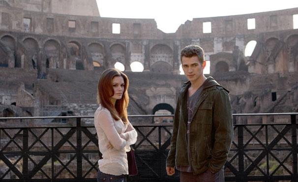 Rachel Bilson e Hayden Christensen gravam no Coliseu (Foto: Divulgação / Reprodução)
