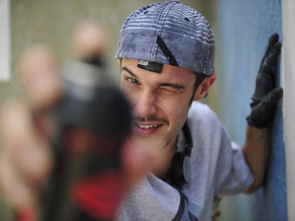 Jayme viverá Ridinei, um jovem grafiteiro (Foto: Renato Rocha Miranda / TV Globo)