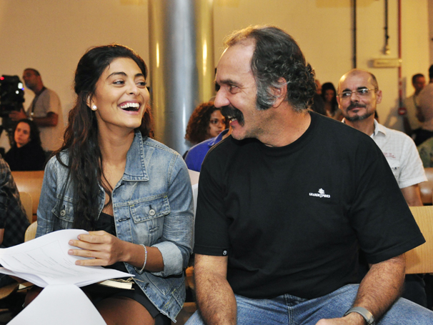 Juliana Paes e Humberto Martins no workshop de Gabriela (Foto: Estevam Avellar / TV Globo)