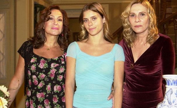 Maria do Carmo (Suzana Vieira) passa toda a trama tentando encontrar a filha (Foto: TV Globo / João Miguel Júnior)