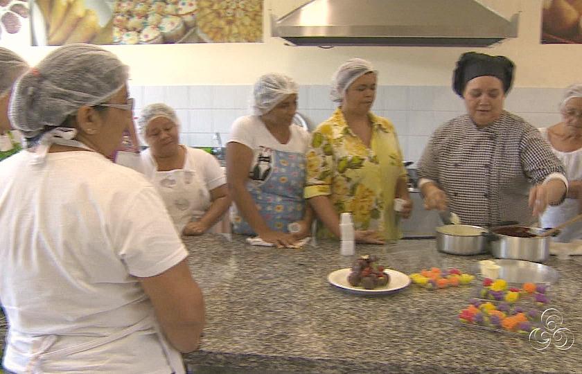 Foram realizadas oficinas de culinária  (Foto: Amazônia Tv)