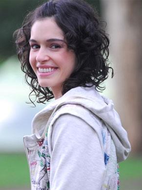 Maria Flor vive uma adolescente em 'PodeCrer!' (Foto: TV Globo / Zé Paulo Cardeal)