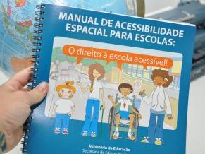 Manual de Acessibilidade MEC (Foto: Fabiana Carvalho)