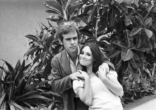 Francisco Cuoco e Regina Duarte forma casal protagonista do clássico (Foto: Cedoc / TV Globo)