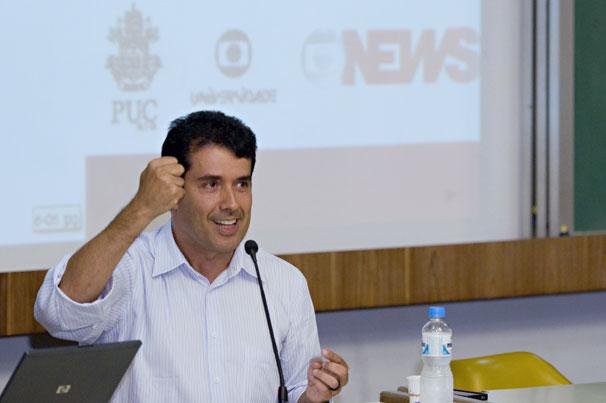 André Trigueiro deu sugestões para os vídeos dos alunos e contextualizou o tema sustentabilidade (Foto: Renato Velasco)