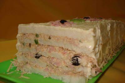 Torta de pao de forma de atum
