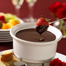 Fondue de chocolate doces e sobremesas fondue de chocolate receitas gshow - Fondue de chocolate ...