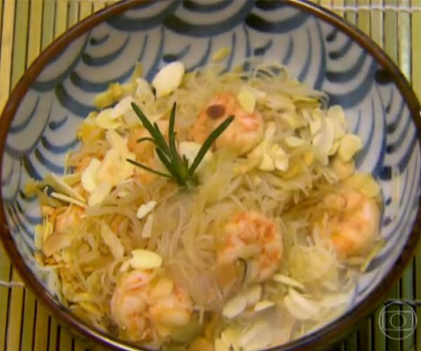 Bifum com Camarão da Zezeh Barbosa | Peixes e frutos do mar > Receitas com Camarão | Estrelas