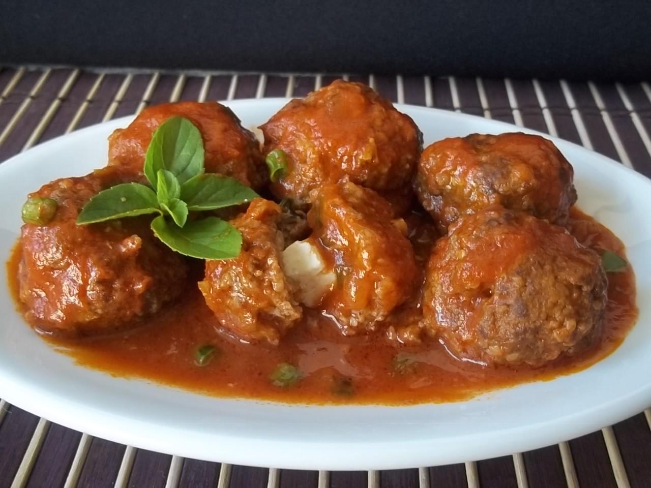 Almôndegas recheadas ao molho | Carnes > Almôndegas ... Almondegas Receita Portuguesa