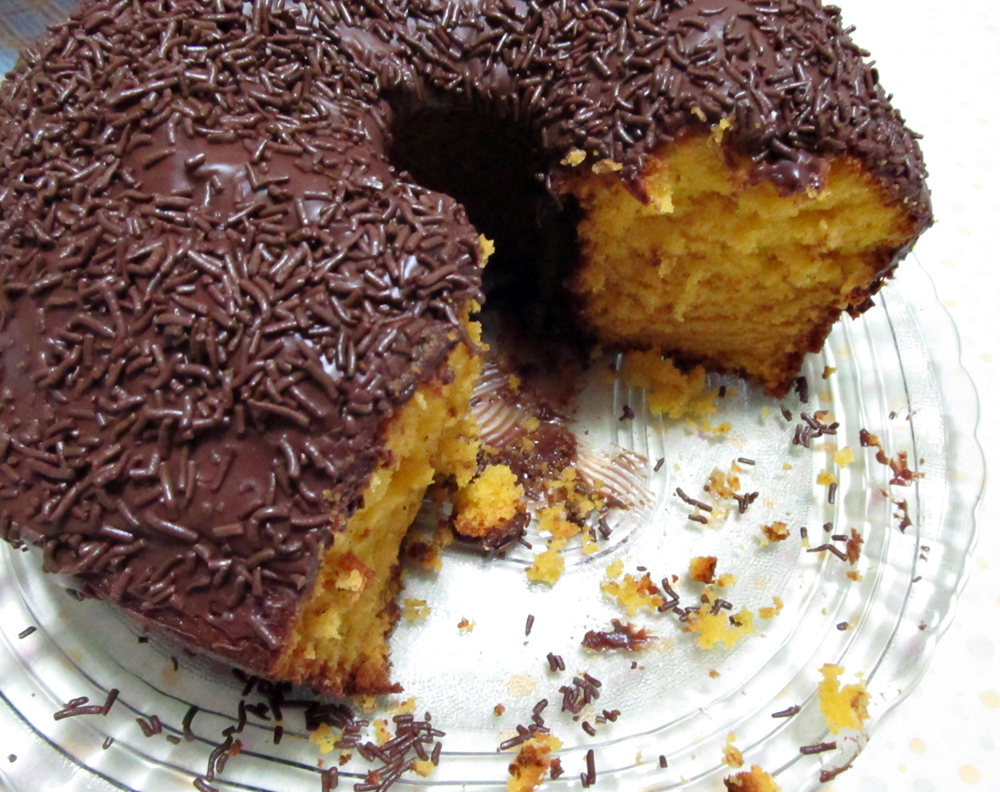 Bolo De Cenoura Com Calda De Chocolate Tortas E Bolos Receitas