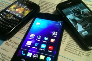 BlackBerry, Android e iPhone (Foto: Allan Melo/TechTudo)