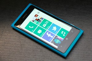 Nokia Lumia 800 (Foto: Allan Melo/TechTudo)