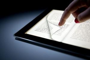 iPad e eBooks (Foto: Reprodução/Bloomberg) (Foto: iPad e eBooks (Foto: Reprodução/Bloomberg))