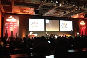 Pier Jones, do The Guardian, fala em palestra no Brasil (Foto: TechTudo/Luiz Gustavo Amorim)