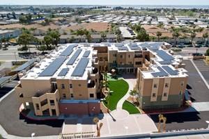 Uso de energia solar é comum nos apartamentos da cidade (Foto: Divulgação)