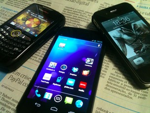 BlackBerry, Android e iPhone (Foto: Allan Melo/TechTudo)