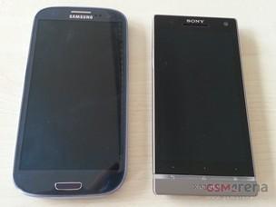 Comparação entre o Galaxy S III e o Xperia SL (Foto: Reprodução/GSM Arena)