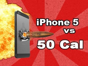 Vídeo no YouTube mostra iPhone 5 sendo alvejado por uma arma (Foto: Reprodução) (Foto: Vídeo no YouTube mostra iPhone 5 sendo alvejado por uma arma (Foto: Reprodução))
