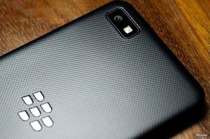O BlackBerry Z10 terá câmera similar às do iPhone 5 e do Galaxy S3 (Foto: Reprodução /Tinhte.vn)
