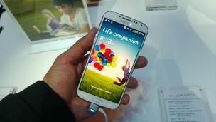 O TechTudo testa o Galaxy S4 (Foto: Allan Melo/ TechTudo)