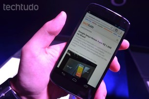 Nexus 4 tem digitação por voz e virá com Google Now em português (Foto: Pedro Zambarda/TechTudo)