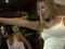 Kamila Covas e Karen Kounrouzan se empolgam em dança de Just Dance 4 (Foto: TechTudo)