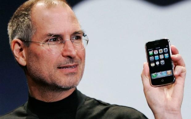 Steve Jobs é o pai do iPhone - lançado em 2007 na América do Norte (Foto: Reprodução) (Foto: Steve Jobs é o pai do iPhone - lançado em 2007 na América do Norte (Foto: Reprodução))