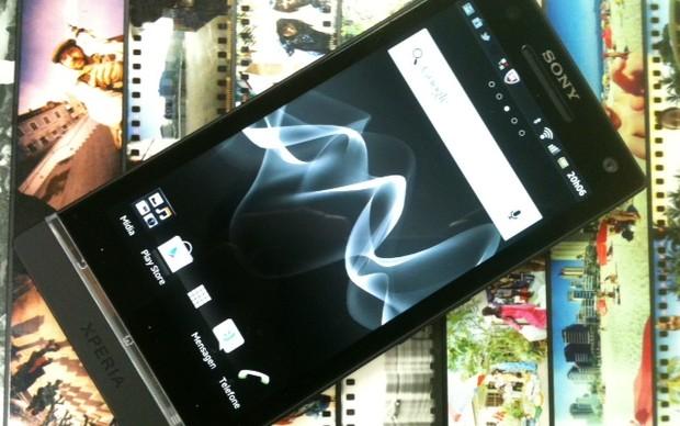 Sony Xperia S (Foto: Allan Melo/TechTudo)