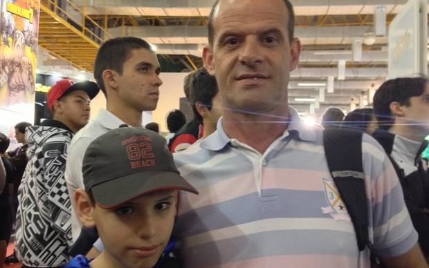 Persio Pereira e seu filho Nicholas (Foto: Luiz Gustavo)