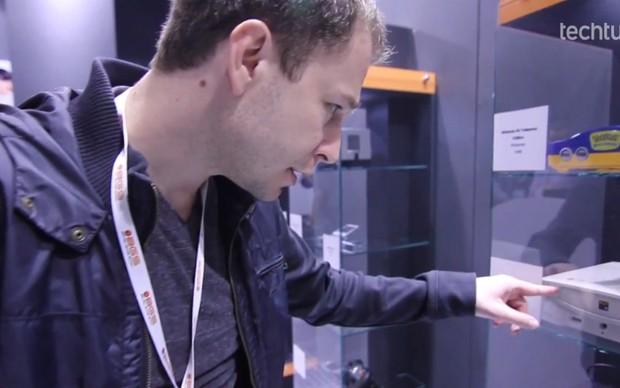 Tiago Leifert visita museu do videogame na Brasil Game Show 2012 (Foto: Reprodução)