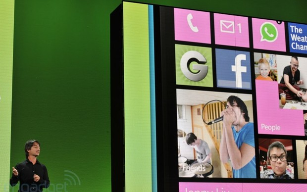 Windows Phone 8 é lançado pela Microsoft (Foto: Reprodução/Engadget)