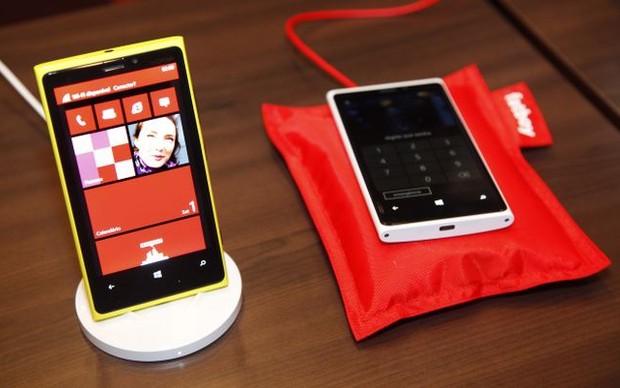 O Lumia 920 supera e dobra o número de encomendas do Galaxy S3 (Foto: Divulgação/Nokia) (Foto: O Lumia 920 supera e dobra o número de encomendas do Galaxy S3 (Foto: Divulgação/Nokia))