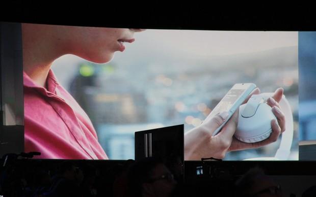 Xperia Z usa NFC para o uso de acessórios portáteis. (Foto: TechTudo / Léo Torres)