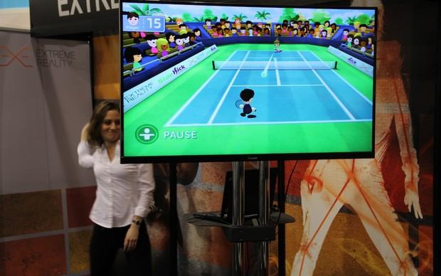 O Extreme Reality transforma qualquer câmera - qualquer mesmo - em um Kinect. Seja tablet, celular ou aquele seu laptop velho, é possível usar o corpo como joystick. (Foto: Fabrício Vitorino / TechTudo)