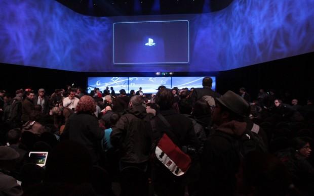 Uma plateia lotada assistiu ao lançamento do ano da Sony (Foto: TechTudo/Léo Torres)