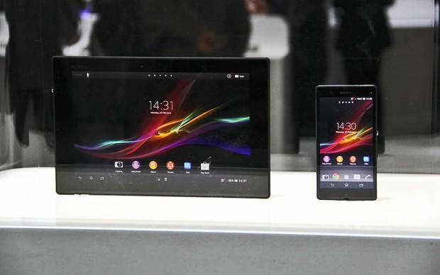 Xperia Tablet Z e Xperia Z (Foto: Fabrício Vitorino/TechTudo)