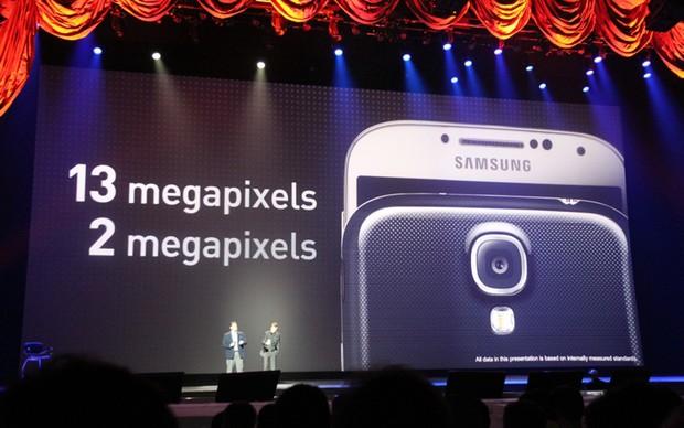 Câmera frontal do S4 terá resolução de 2 megapixels (Foto: Allan Melo/ TechTudo)